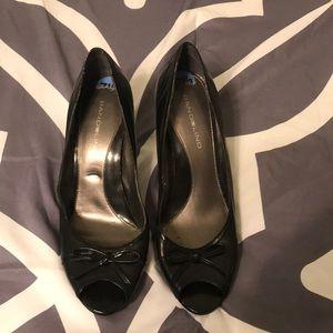 Bandolino black peep toe heels